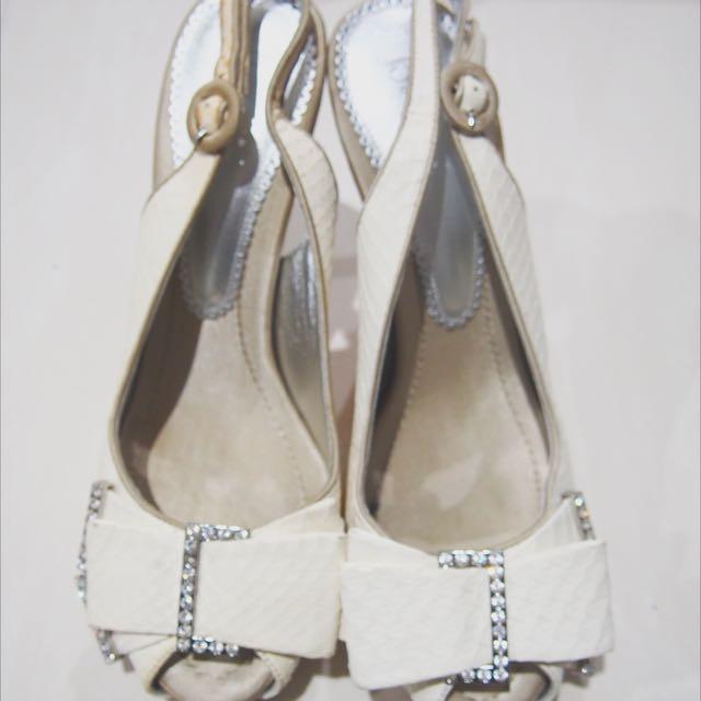 Bourne White Heels
