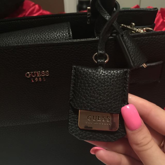 Brand New Guess Tote