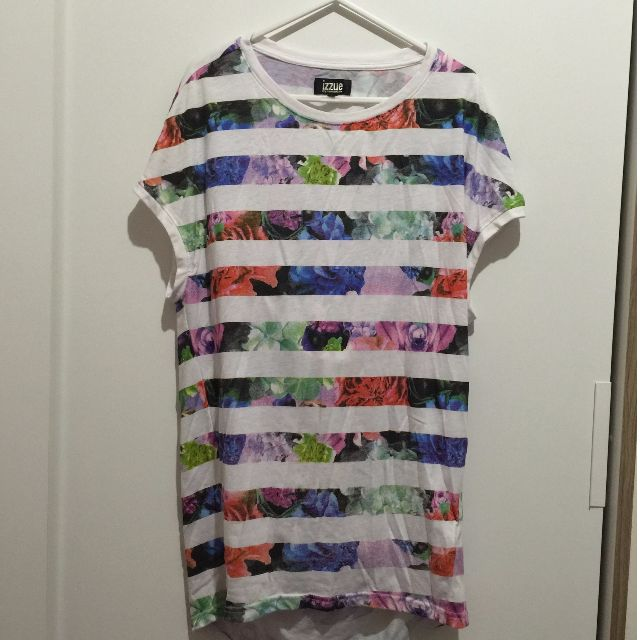 IZZUE條紋X花色 短袖背部造型長版上衣-S
