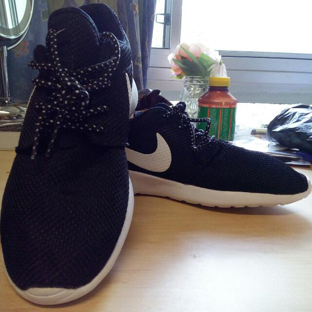 Pending *** Nike Running Shoes S9