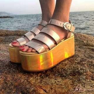 全新 雷射 鐳射 金色 厚底 涼鞋 鬆糕 40/25 39/24.5