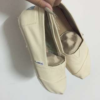 TOMS® Natural Canvas Women's Classics