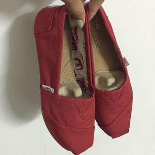 TOMS® Red Canvas Women's Classics