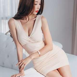 性感低胸收腰V領修身顯瘦包臀連衣裙