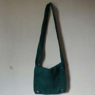 Wolly Sling Bag In Green