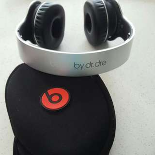 Beats By Dr Dre SOLO WIRELESS (RESERVED)