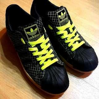 Adidas 特殊螢光標     (降價!降價!) 愛迪達 貝殼鞋