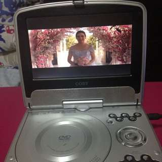 COBY TV/DVD PLAYER
