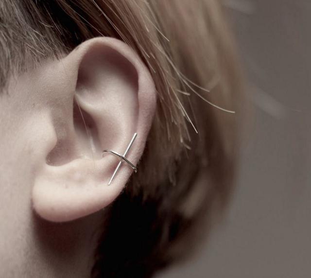 限量)極簡十字耳夾