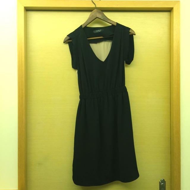 黑色時尚洋裝