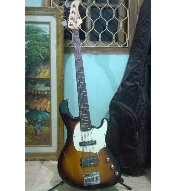 Bass Cort GB43A & Amp Rusell RB50C Mint Cond.