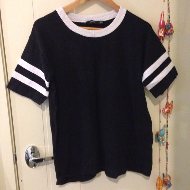 Black & White T-Shirt, Size 10