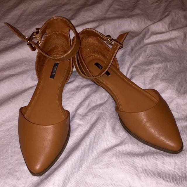 Forever 21 Ankle Strap Flats! Size 8