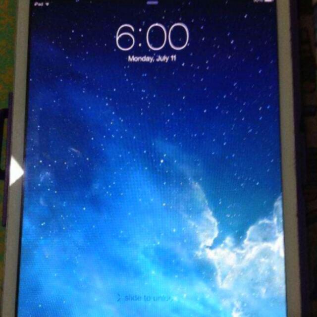 iPad Mini 16GB *negotiable*