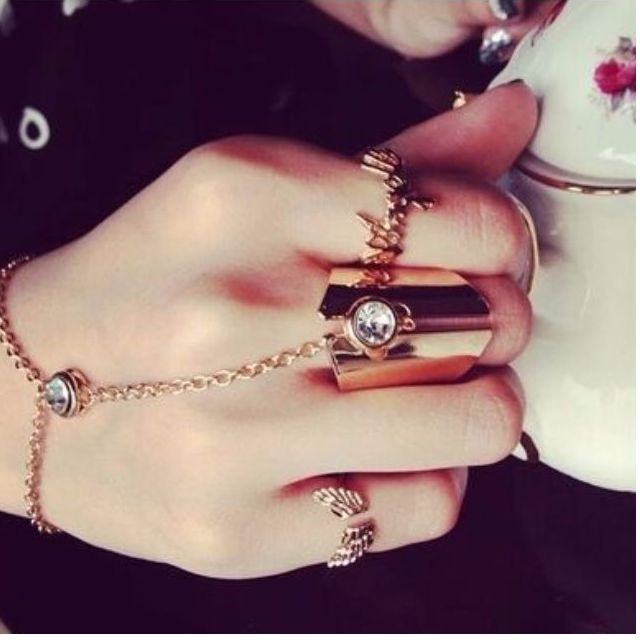 Knuckle Chain Ring-Bracelet