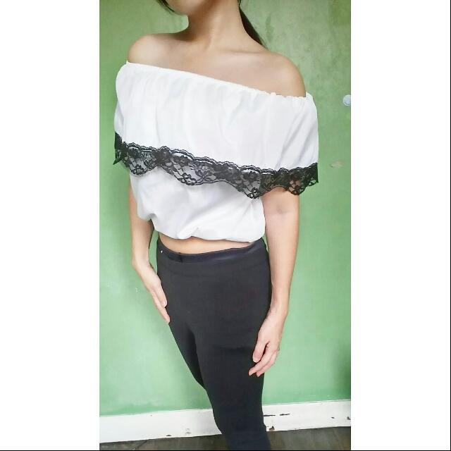 Lacey Offshoulder