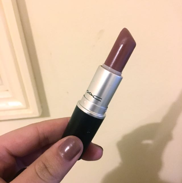 Mac Lipstick in RETRO