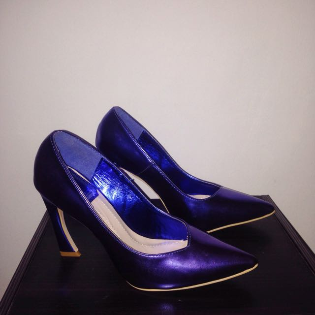 Metallic Blue Pointed Pumps