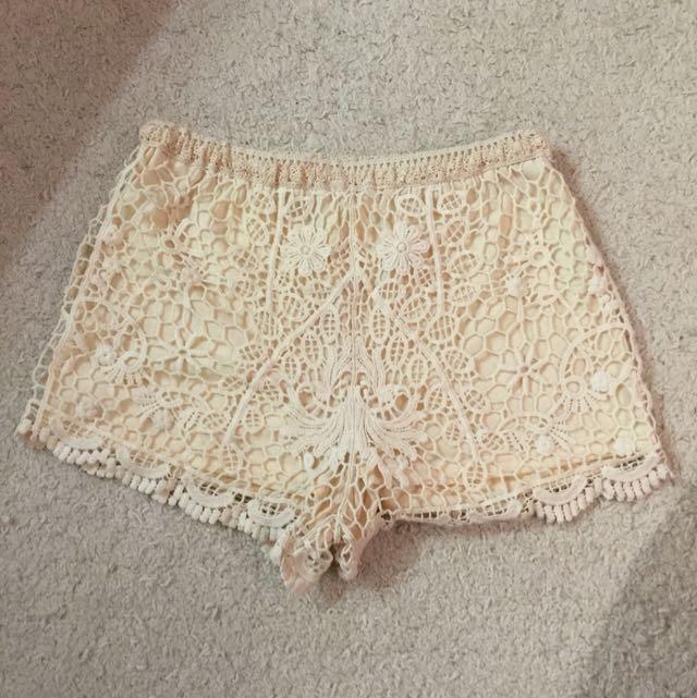 Never Been Worn Brandy Melville Crocheted Cream Shorts Size 28