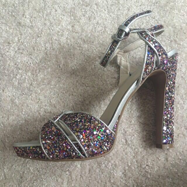 Brand New Nine West Peep Toe Dazzle Heels
