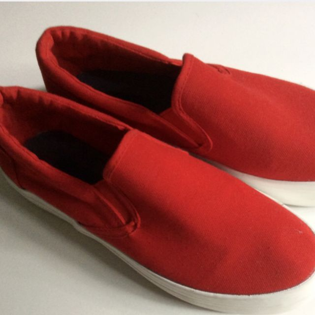 Red Zalora Canvas Slip-On
