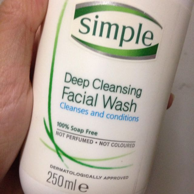 Simple deep cleansing facial wash