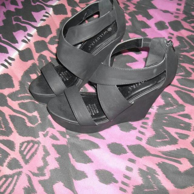 size 8 wedges worn once paid $50 from spend less
