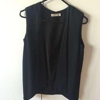 Forcast Vest size 4