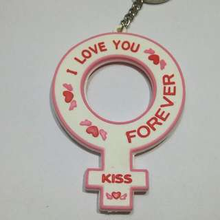 女生標誌鑰匙圈