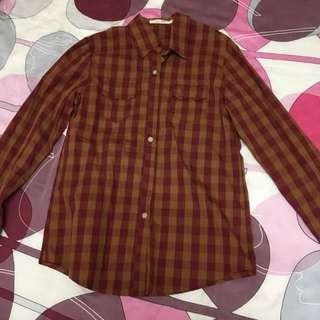 黃紅格子襯衫