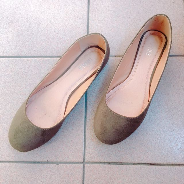 墨綠微露趾縫平底鞋