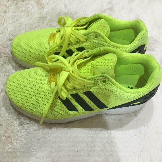 Adidas 愛迪達螢光黃運動鞋