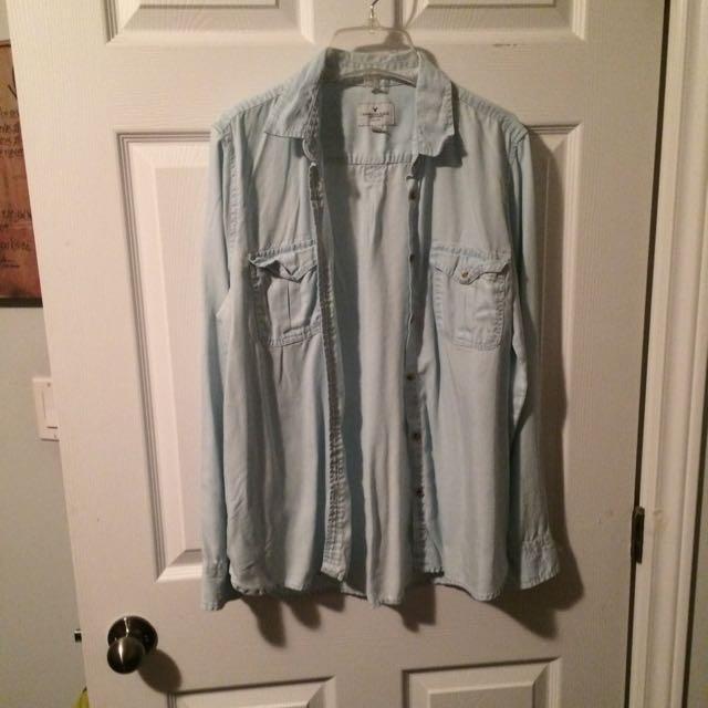 AE Blue shirt size medium