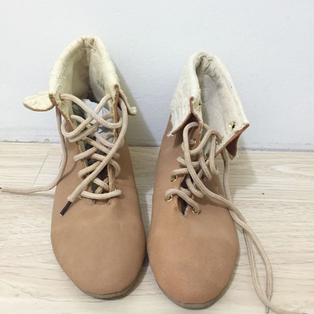 Brand New Brown Lace Boots Size 6