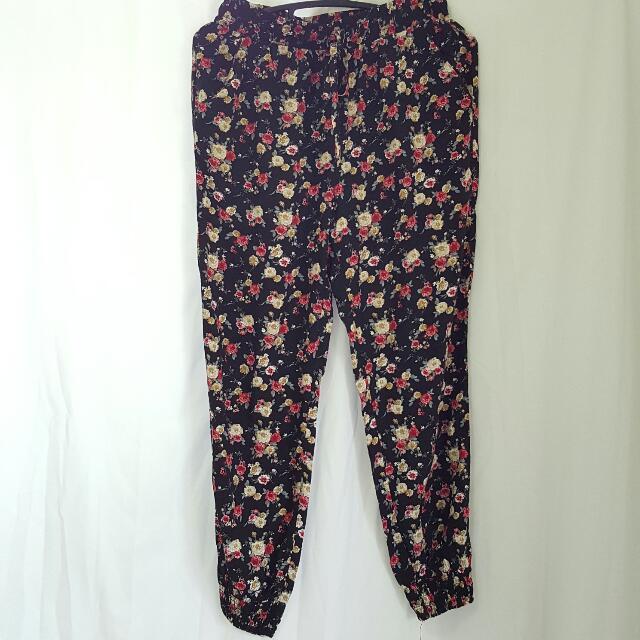 Forever 21 Floral Jogger Pants