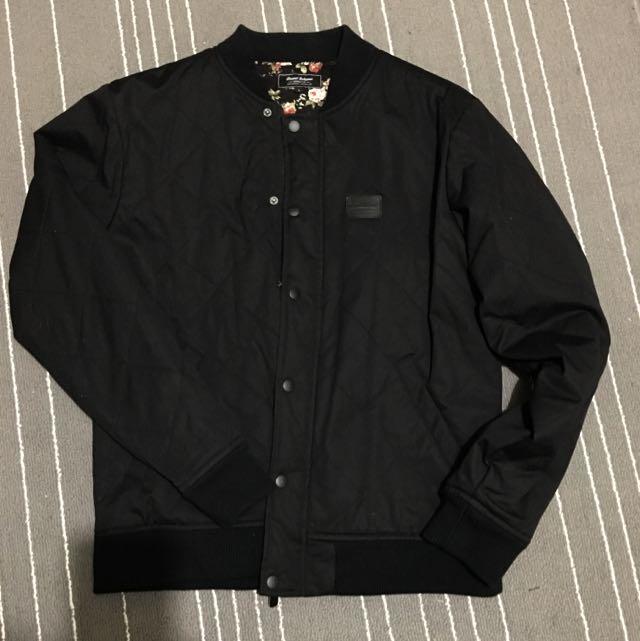 Grand Scheme Jacket in Black (Large)