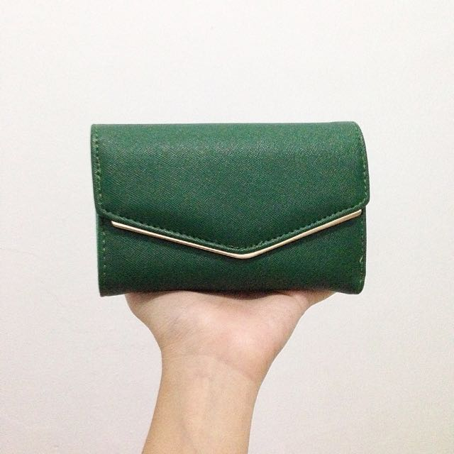 HUER Green Wallet