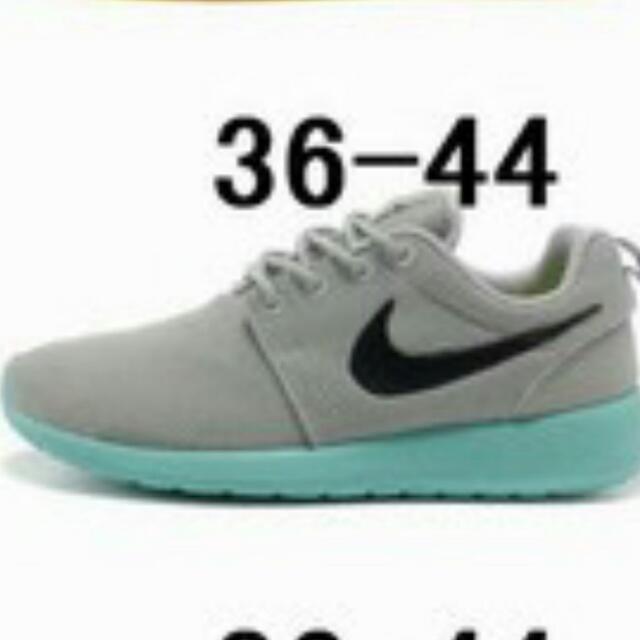 Nike 慢跑休閒鞋