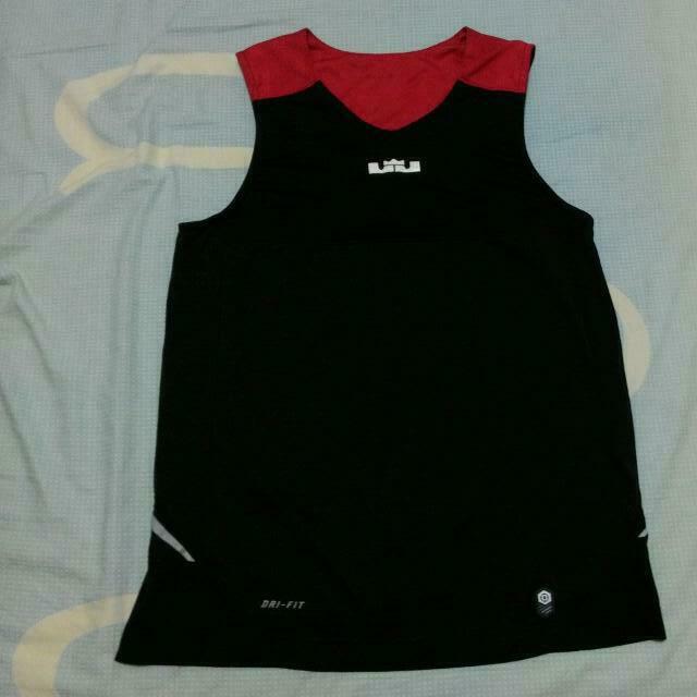Nike LeBron 練習球衣