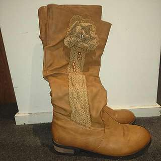 Size 36 Cute Taupe Brown Boots