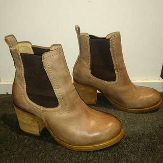 Tony Bianco High Top Chelsea Boots Tan Taupe Brown