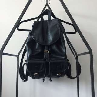 Faux Leather F21 Backpack (Black With Gold Hardware)