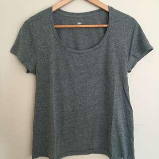 GAP Green T-shirt