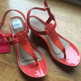 BNWT CORAL EMBELLISHED SANDALS