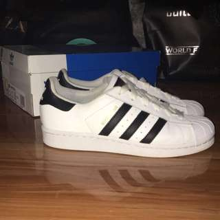 SIZE 5 YOUTH (FITS SIZE 7 WMNS) Adidas Superstars