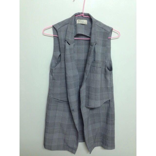 灰色無袖西裝外套