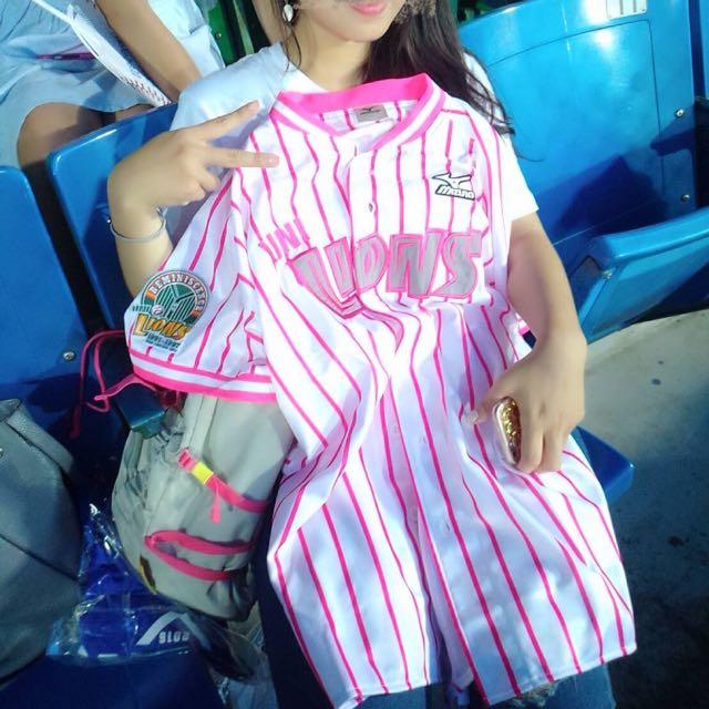 統一獅粉紅線條球衣