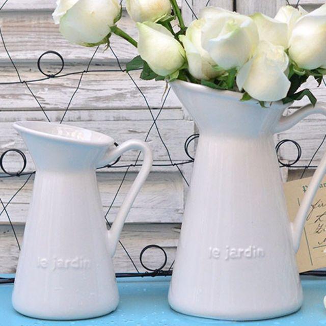 鄉村風復古法文浮雕白色陶瓷牛奶壼花瓶(大)/斜口鴨嘴花瓶花器/盆裁/婚禮花藝 /居家擺飾/拍照道具