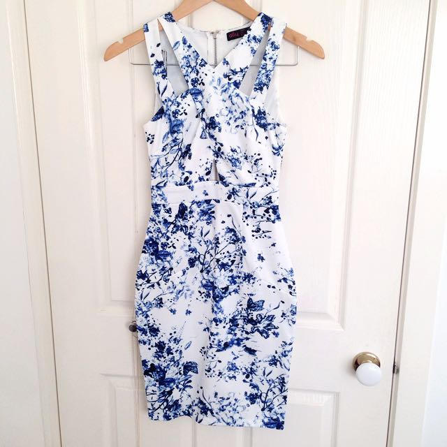 BNWOT ALLY Dress Floral