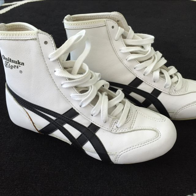 quality design 585f9 c9569 Asics Onitsuka Tiger Hightops, Women's Fashion on Carousell